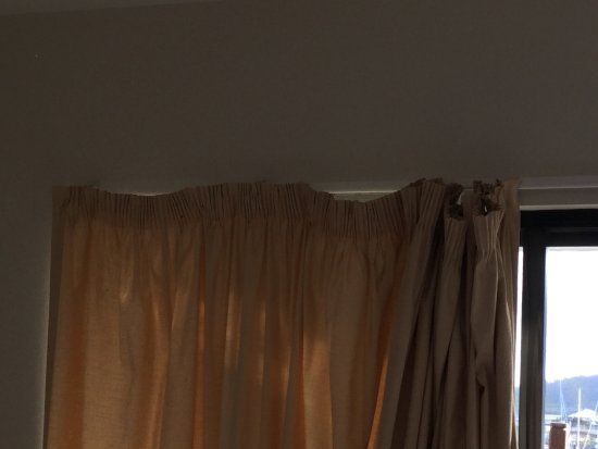 at Waterfront Whitsunday Retreat: Curtains bedroom