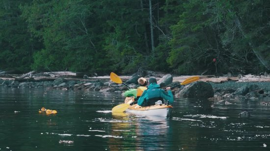 Black Creek, Canadá: kayaking at the camp