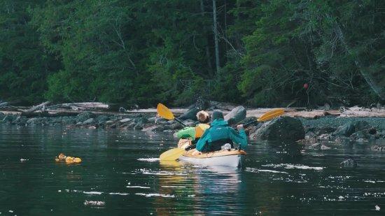 Black Creek, Kanada: kayaking at the camp