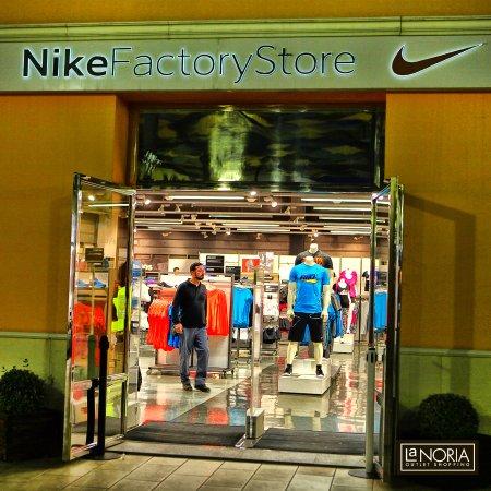 Parque Comercial La Noria Murcia Outlet Shopping  Tienda Nike Factory en La  Noria 568c96eebb838