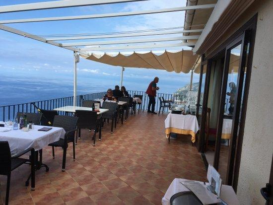 Estellencs, إسبانيا: Terrassen med härlig utsikt