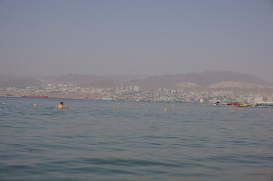 Movenpick Resort & Residences Aqaba: au gauche EGYPTE a droite ISRAEL