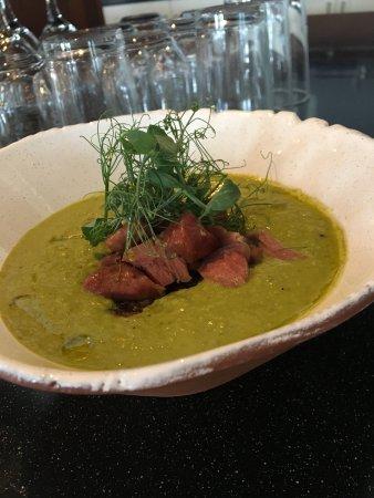 Arendal, Noruega: lamb & pea soup