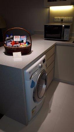 Kleine Komplette Kuche Mit Waschmaschine Trockner Picture Of