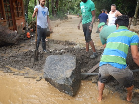 Playa Samara, Costa Rica: working to clear a path