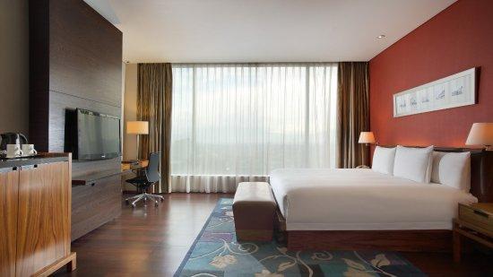 Hilton Bandung : Junior Suite