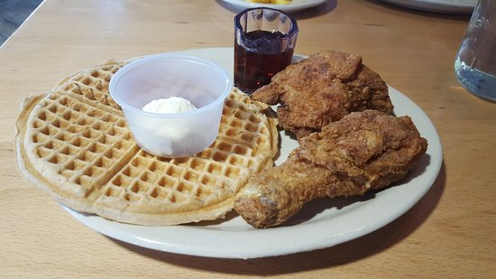 Lo Lo's Chicken and Waffles: can you say chicken and waffles?