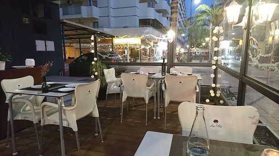 Modern snygg inredning.   picture of la solana restaurant ...