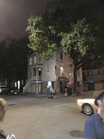 Ghost Tours Savannah Ga Pub Crawl