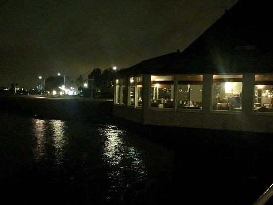 Chez Heeren Jansen ligt fraai aan de Dordtse Kil