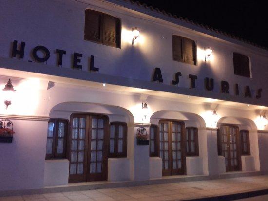 Hotel Asturias: Fachada del hotel