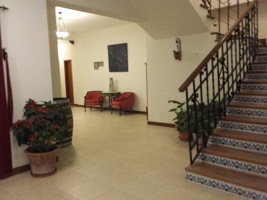 Hotel Asturias: Camino a los pisos de arriba