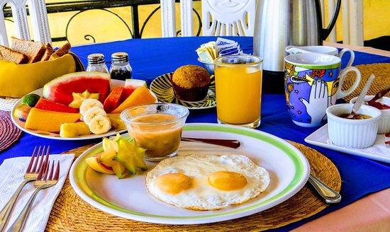 Bistro Soleiado : El desayuna mas completo.