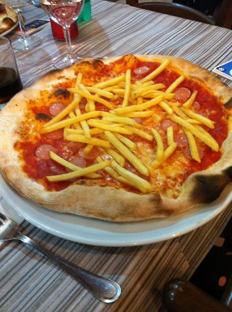 Frattocchie, Italia: pizza snoopy