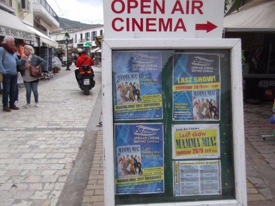 Ciudad de Skiathos, Grecia: To the cinema