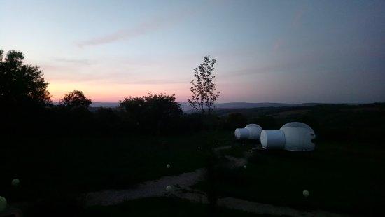 Cabrerets, France: Bulles au lever du soleil