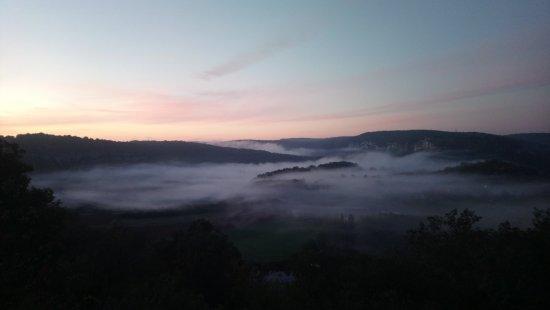 Cabrerets, France: Paysage au réveil