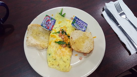 Cafe Cappuccino: Ham and cheese omelette with spinach