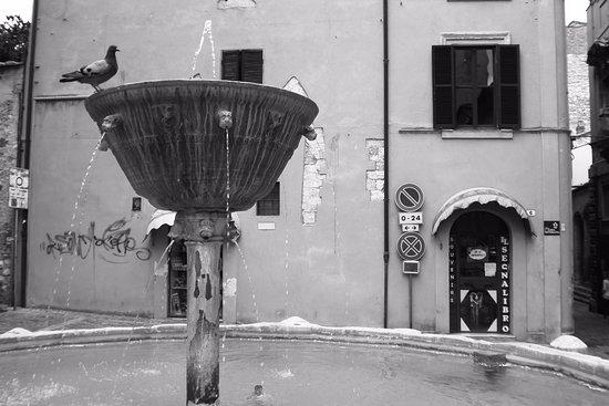 Narni, Italien: la fontana
