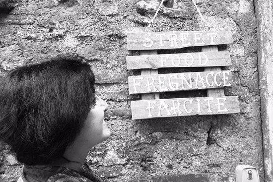 Narni, Italien: le fregnacce!