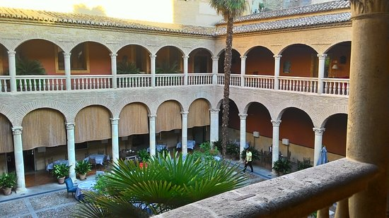 AC Palacio De Santa Paula, Autograph Collection: P_20171009_185018_HDR_large.jpg