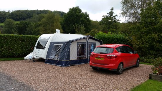 Waterrow, UK: Fully serviced super pitch