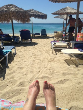 Perla Hotel: View from my sunbed on the beach!