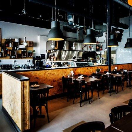 Bradford West Gwillimbury, Καναδάς: 7 Skewers Mediterranean Grill