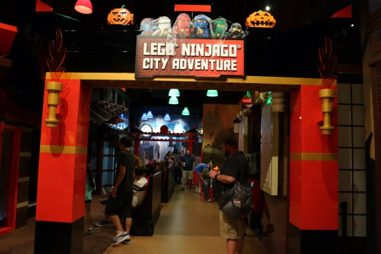 Grapevine, Teksas: Lego Ninjago was my kids favorite place