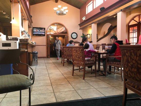 Best Western Plus El Rancho Inn: Park n' Fly.