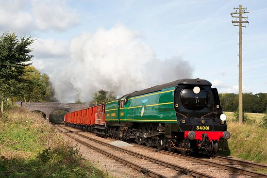 Loughborough, UK: 34081 on the GCR's excellent rake of vans.