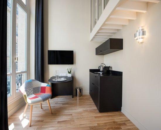 SUITES   HOTEL HELZEAR ETOILE (Paríž) - Recenzie a porovnanie cien -  TripAdvisor b16da86a5a