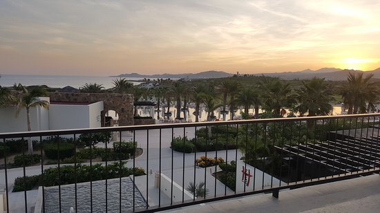 Secrets Puerto Los Cabos Golf & Spa Resort: View from hotel lobby