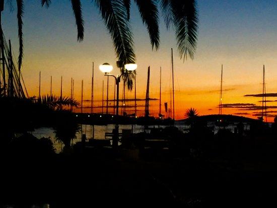 Viganj, Croacia: Sunset on Solta