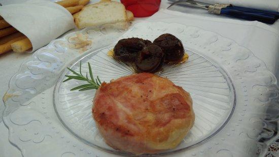 Coazzolo, Italia: Tomino e fichi.mmm delizioso