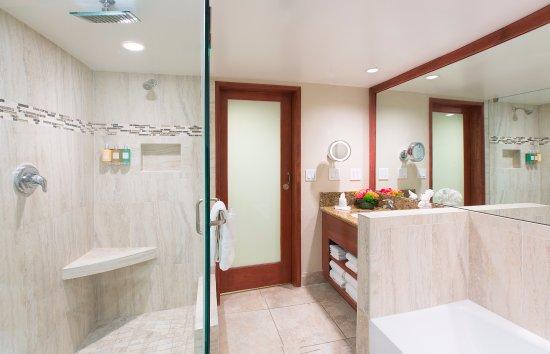 Coast Anabelle Hotel: Studio Suite Bathroom