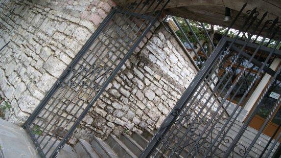 Παραμυθιά, Ελλάδα: GATE