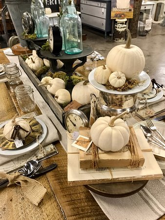 Amesbury, MA: Fall Decor