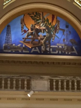 State Capitol : Mural top floor