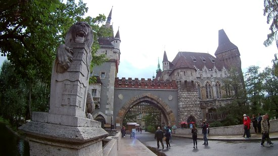 Photo of Vajdahunyad vára in Budapest, Pe, HU