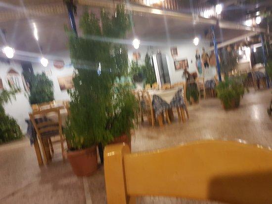 Olga's Taverna: 20171010_193651_large.jpg