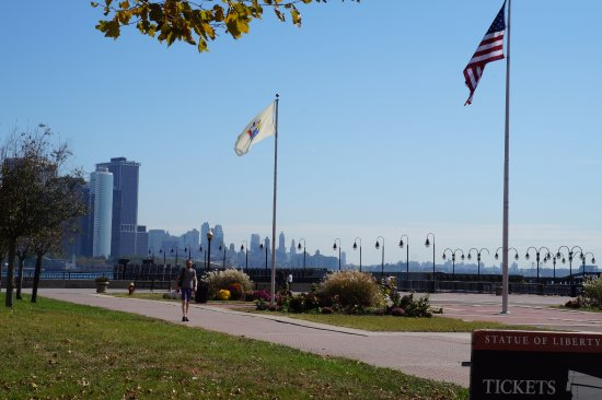 Liberty State Park: Fluttering Flags