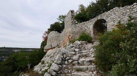 Luberon, Frankrike: l'entrée du fort