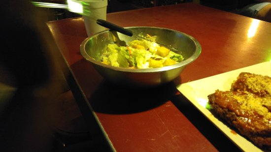Willy's Burger and Booze: Caesar salad..from a bag