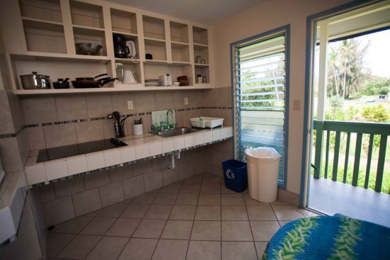 Arnott's Lodge: Shared or private kitchenette