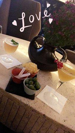 Salotto 42: Zwei fruchtige und erfrischende Drinks aus der umfangreichen Auswahl.
