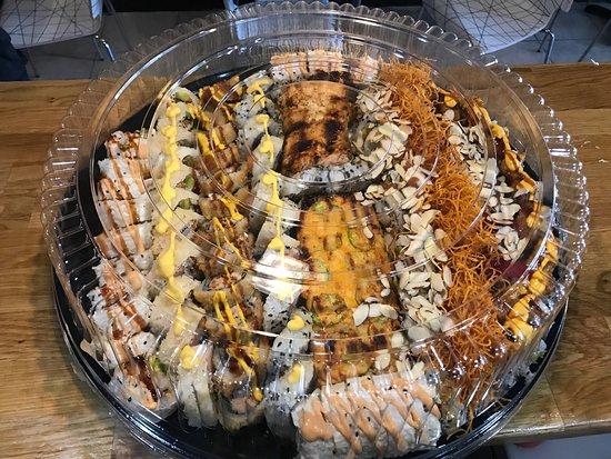 Inari Sushi Fusion - マイアミ...