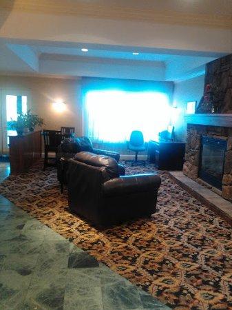 South Burlington, VT: Fireplace area
