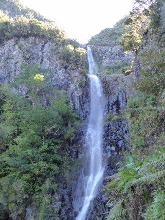 Calheta, Portugal: cascade