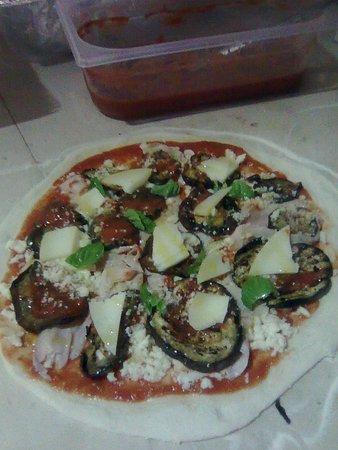 Pizza parmigiana - Picture of Ristorante Pizzeria Terrazza ...